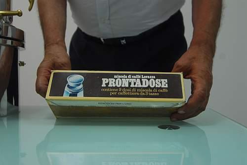 Der erste Ein-Portionen-Kaffee der Welt befand sich einmal in dieser Schachtel. Foto: Sandro Mattioli