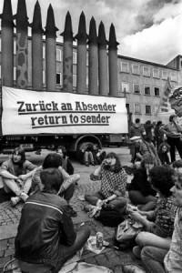 Die Friedensbewegung protestierte unermüdlich gegen die Stationierung von amerikanischen Atomsprengköpfen in Deutschland wie hier in Heilbronn. Foto: Martin Storz