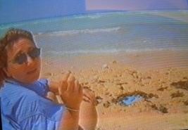 Ilaria Alpi in Somalia. Die Screenshots wurden von den Originalvideos abfotografiert, daher die schlechte Qualität. Screenshot: Sandro Mattioli
