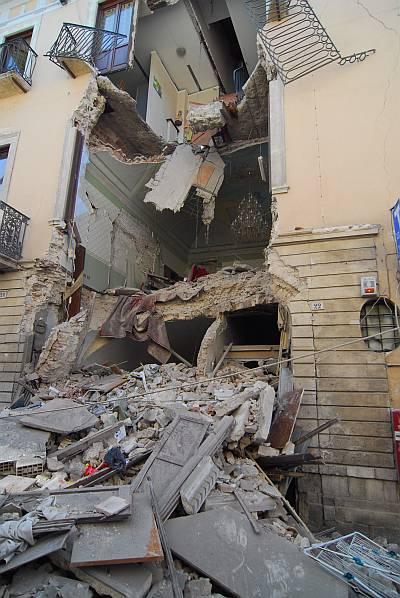 Ein edles Haus in L'Aquila nach dem Erdbeben. Foto: Sandro Mattioli